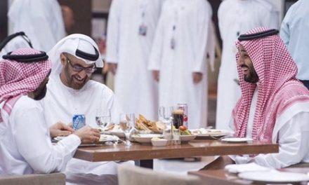 """باحث سعودي: """"ابن سلمان"""" لعبة بيد """"ابن زايد"""" لتنفيذ مشاريعه القذرة"""