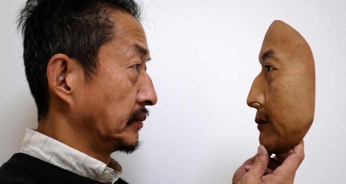 شركة يابانية: جهات رسمية سعودية طلبت أقنعة تشبه وجه الملك وبعض الأمراء