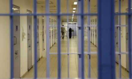 أمنستي وهيومن رايتس: المعتقلون بالسعودية -وبينهم نساء- يتعرضون للتعذيب والتحرش الجنسي