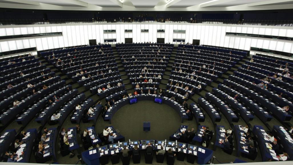 البرلمان الأوروبي يجدد الدعوة لحظر تصدير الأسلحة إلى السعودية