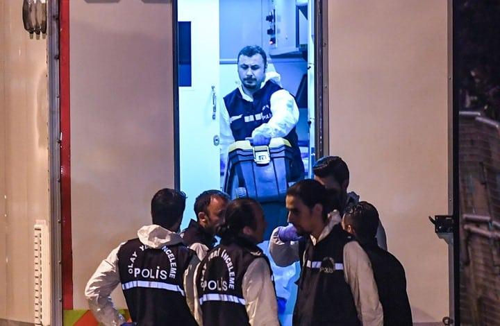 الشرطة التركية تعثر على قميص وبنطال ممزقين في قمامة القنصلية السعودية