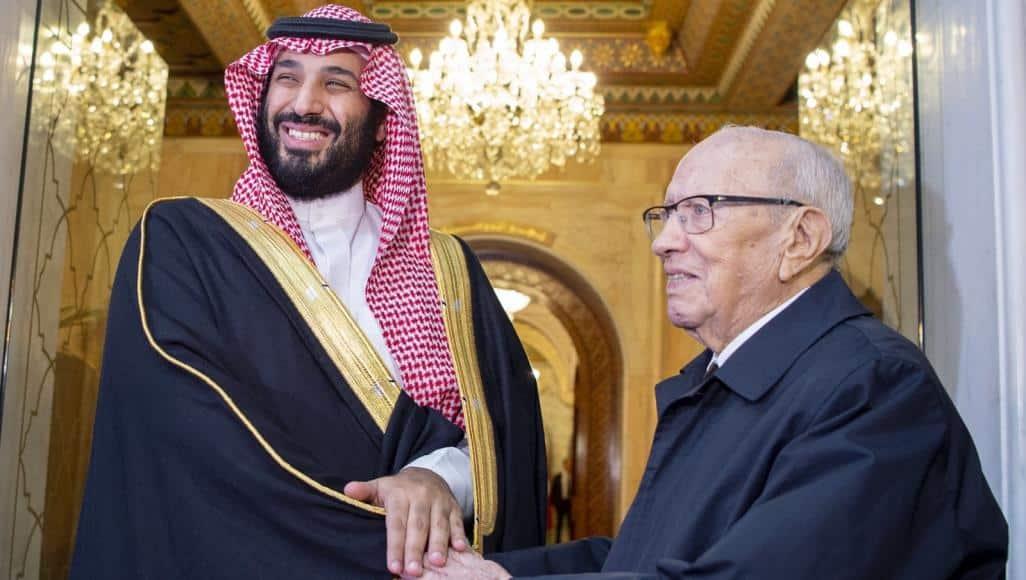 هيرست يحذر من انقلاب في تونس بدعم سعودي إماراتي
