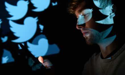 """يبدو محاولة اختراق.. """"تويتر"""" يحذر من نشاط غير معتاد من السعودية والصين"""