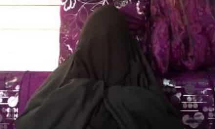 السلطات السعودية تختطف فتاة من منزلها.. وأمها تستغيث بتويتر