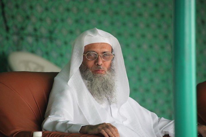 """أنباء عن تدهور صحة الشيخ """"سفر الحوالي"""" بمعتقله بالسعودية"""