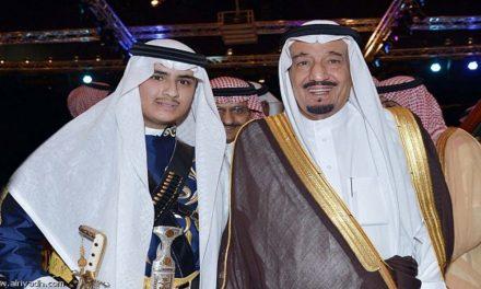 """ناشط سعودي يكشف السر وراء اعتقال """"ابن سلمان"""" لأخيه """"بندر"""""""
