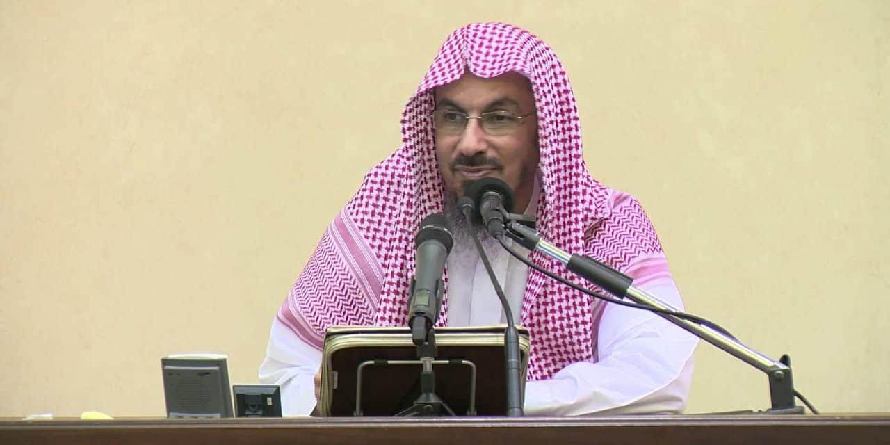"""منع الشيخ """"خالد السبت"""" من الخطابة والإمامة"""