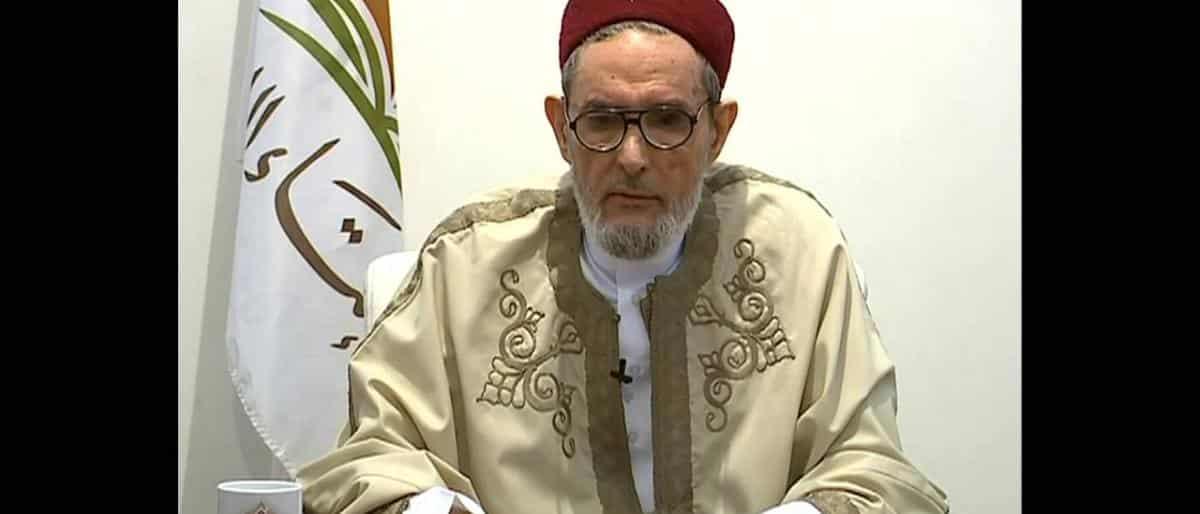 """مفتى الوفاق الليبية يدعو لوقف دعم """"آل سعود"""" من خلال الحج والعمرة"""