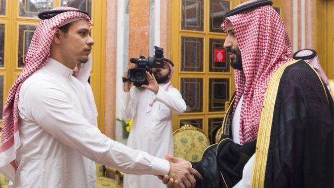 """منازل ومكافآت شهرية.. رشاوى السلطات السعودية لأبناء """"خاشقجي"""""""