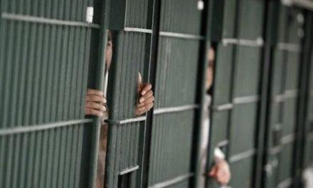 للشهر الثالث.. السلطات السعودية تمنع التواصل بين معتقل وعائلته