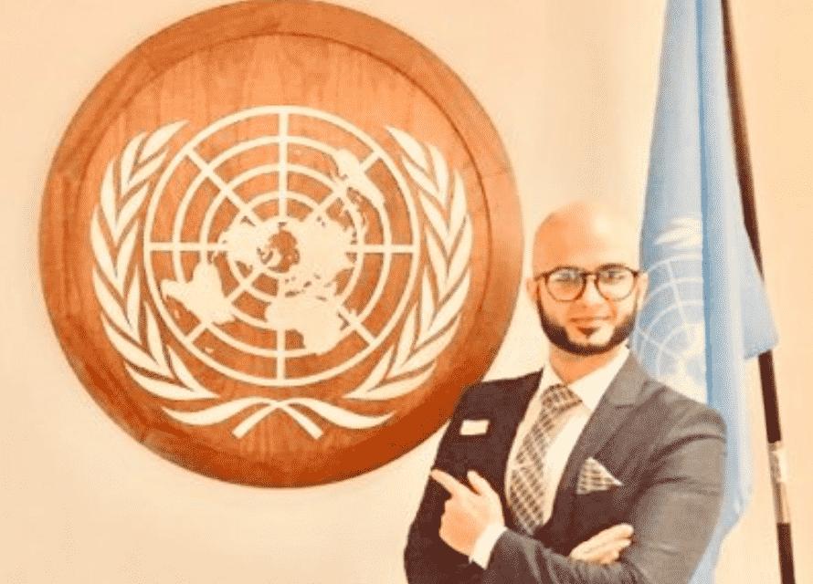 """الناشط """"حمزة الكناني"""" يعلن انقطاع الاتصال بعائلته داخل المملكة"""