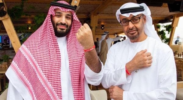 مستشارو ملوك وأمراء الخليج.. كيف قادوا المنطقة إلى التهلكة؟
