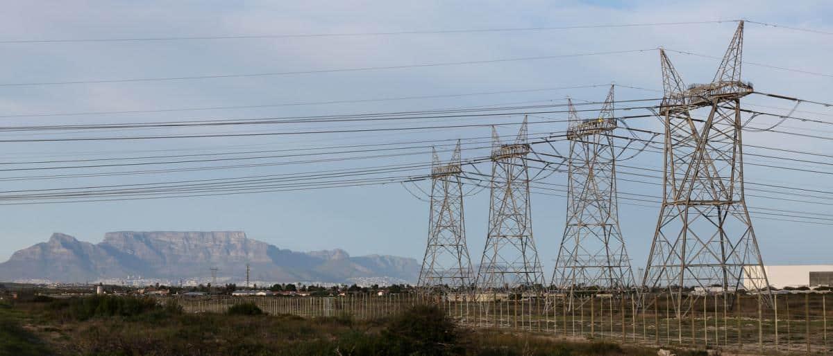 بعد انقطاعها بالجنوب.. تدهور غير مسبوق للكهرباء في السعودية