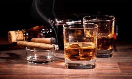 بلومبرغ: اتجاه سعودي رسمي لرفع الحظر عن المشروبات الكحولية