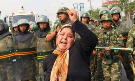 """النظام السعودي يبرر دعمه للصين في اضطهادها للمسلمين """"الإيغور"""""""