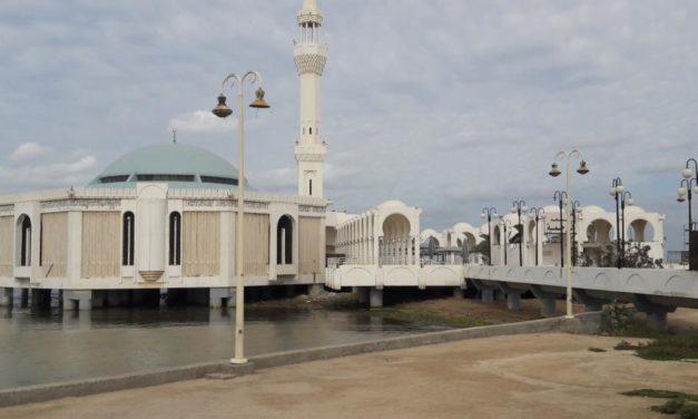 """انتقادات على مواقع التواصل لـ""""الإساءة لحرمة مسجد"""" في السعودية"""