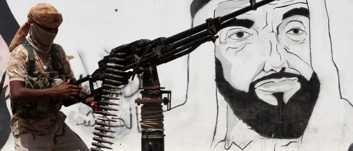 """موقف """"جديد"""" للإمارات من حرب اليمن بعد التدخل السعودي"""