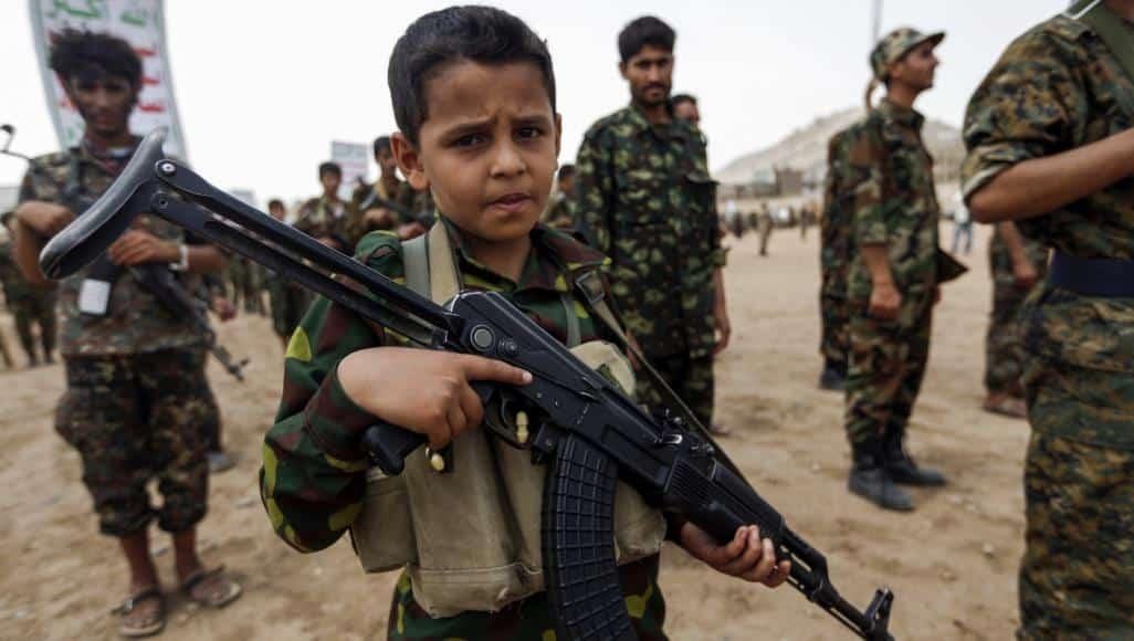 تقرير حقوقي دولي: السعودية تجند أطفالاً للقتال في اليمن