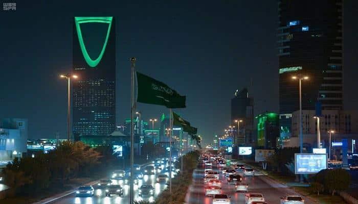 صافرات الإنذار في قلب الرياض والقلق يسيطر على السعوديين