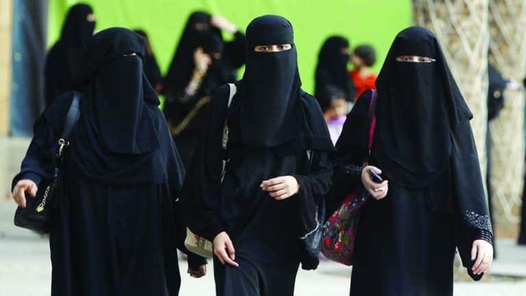 """سعوديات يشعلن """"تويتر"""" بالدعوة لإسقاط نظام القبيلة عقب إسقاط """"الولاية"""""""