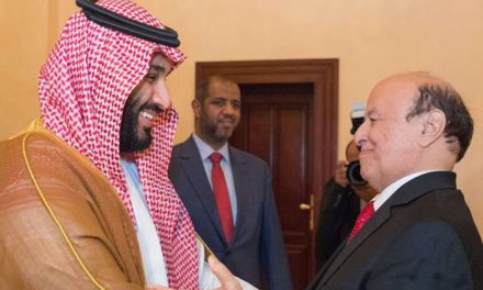 """ناشط سعودي يكشف لماذا غير """"ابن سلمان"""" خططه في اليمن؟!"""