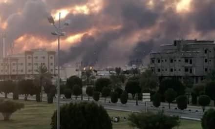 """مصادر: الدمار الذي أصاب """"أرامكو"""" ضخم ويحتاج أسابيع لإصلاحه"""