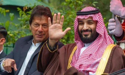 """باكستان تكشف استجداء """"ابن سلمان"""" لها للتوسط لدى إيران"""