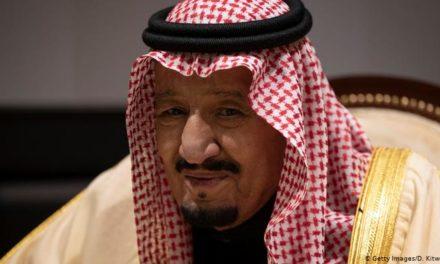"""نيويورك تايمز: كورونا يضرب 150 من آل سعود و""""سلمان"""" يعزل نفسه في جزيرة"""