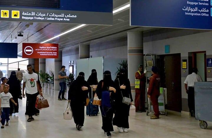 """بعد إلغاء الولاية.. """"ابن سلمان"""" يلغي شرط """"المحرم"""" لسكن النساء بالمرافق السياحية"""