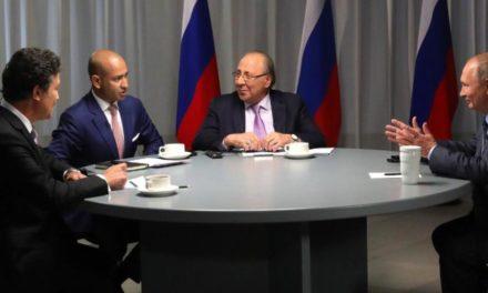 """""""بوتين"""" يسبب أزمة بين """"سكاي نيوز عربية"""" الإماراتية وقناة """"العربية"""" السعودية"""