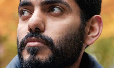 """الناشط """"عمر عبد العزيز"""" يدعو """"تويتر"""" لحماية خصوصية السعوديين"""