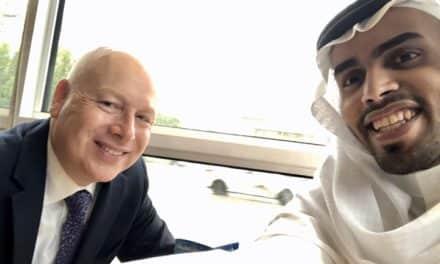 المبعوث الأمريكي السابق يلتقي المطبع السعودي بالرياض