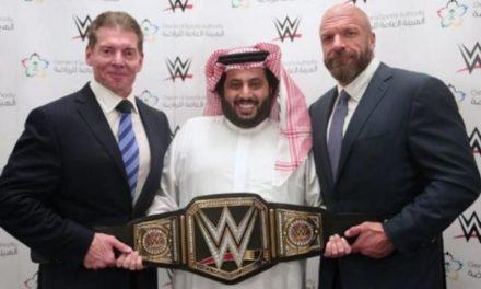 احتجاز مصارعيْن عالمييْن بالسعودية بسبب نزاع مالي