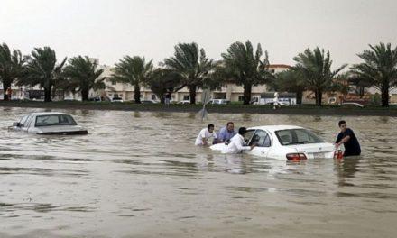 بسبب السيول.. احتجاز 45 طالبة جنوبي السعودية