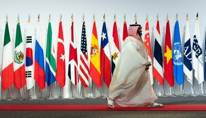 نيويورك تايمز: لماذا نتساهل مع الأموال السعودية في التكنولوجيا؟