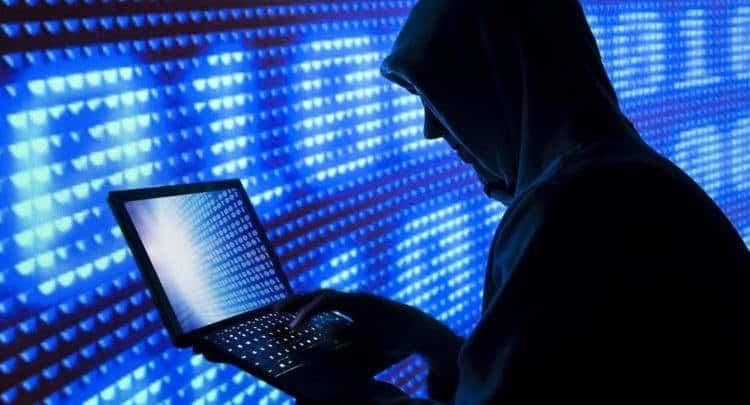 تقرير خاص.. الذباب الإلكتروني الآلية والأهداف