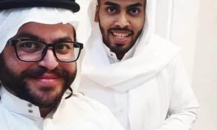 مطبّع سعودي يستقبل إسرائيليَّين في بيته بالرياض