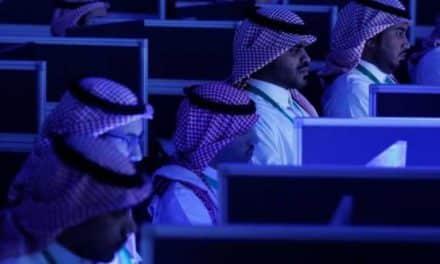 """ضربة جديدة من """"تويتر"""" للذباب الإلكتروني السعودي"""
