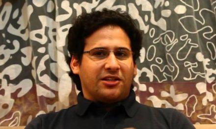 """الناشط الحقوقي المعتقل """"وليد أبو الخير"""" بنهي إضرابه عن الطعام"""