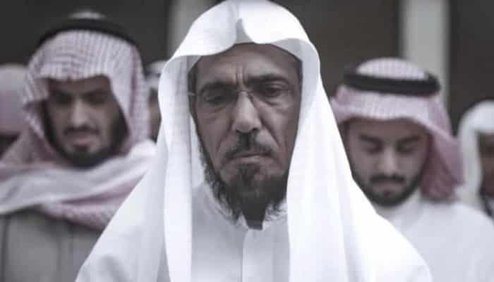 """شاهد.. نجل """"العودة"""" يكشف عن تعرض والده للتعذيب داخل السجون السعودية"""