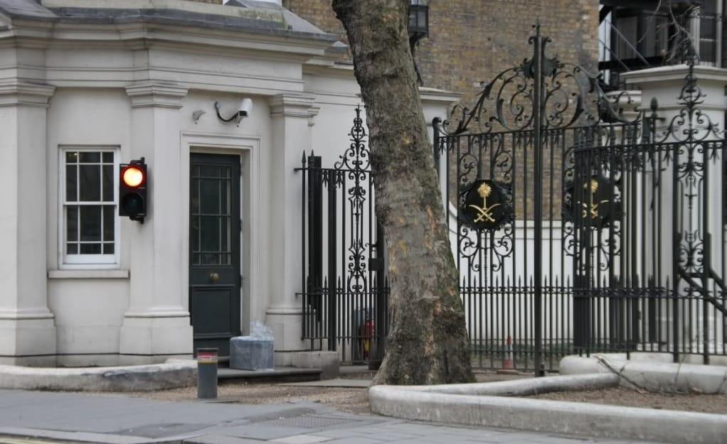 """لندن تطرد دبلوماسيين سعوديين بسبب القيادة """"بحالة سكر"""""""