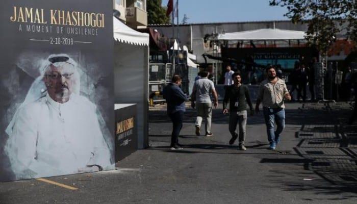 """اللوبي السعودي يحاصر توزيع فيلم """"المنشق"""" عالميًا"""