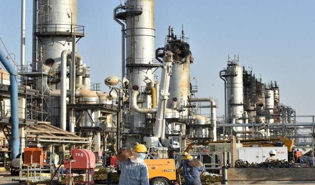 """انخفاض """"كبير"""" في صادرات النفط السعودية بالربع الثاني من 2020"""