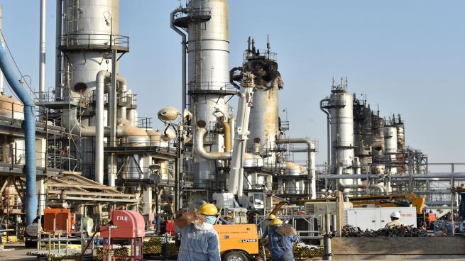 دعوات أمريكية لمنع السعودية و روسيا من السيطرة على سوق النفط