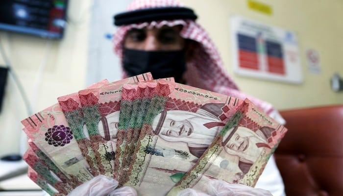 الحكومة السعودية تتوسع في الاقتراض بسبب كورونا