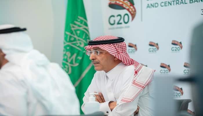 """وزير المالية السعودي في اعتراف خطير: """"اقتصادنا في أزمة"""""""