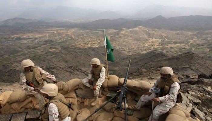 """تقرير """"سري"""" إماراتي يكشف محاربة أبو ظبي للتحالف في اليمن"""