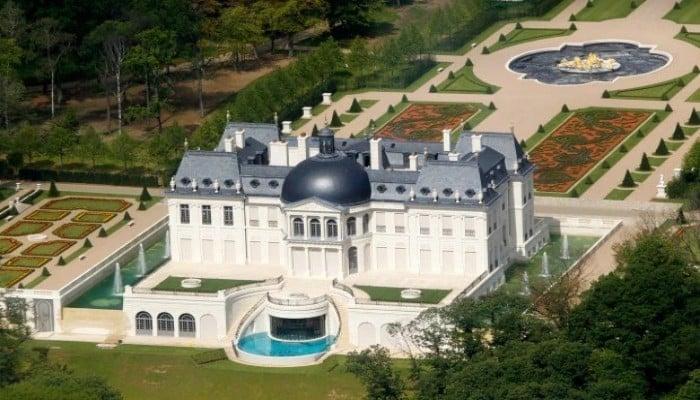 "شاهد.. ""ابن سلمان"" يشتري قصرًا فخمًا بفرنسا بـ230 مليون إسترليني!"