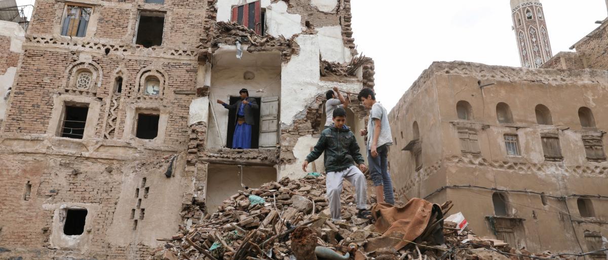 """سياسي بريطاني يطلق حملة """"عالمية"""" لوقف الحرب باليمن"""