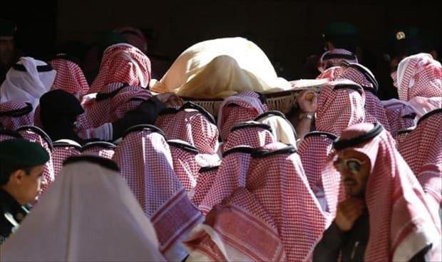 """معركة شرسة بين 7 آلاف أمير سعودي منذ وفاة الملك """"عبد الله"""""""